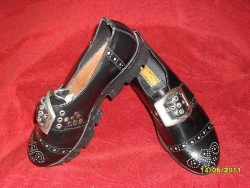 zapatos de plataforma para disfraces o cosplay