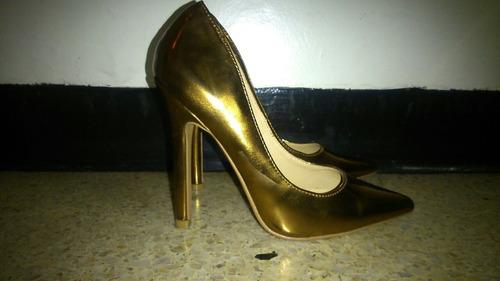 zapatos de tacón color bronce balú