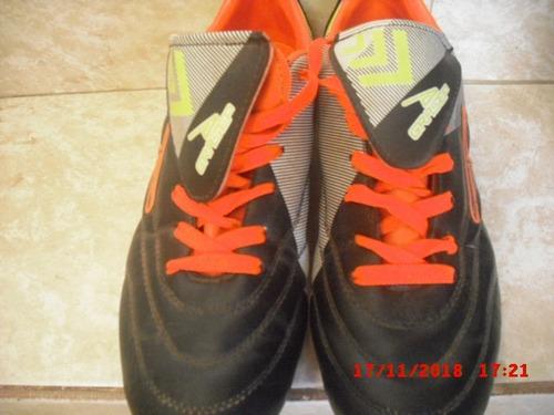 zapatos de tacos para fútbol