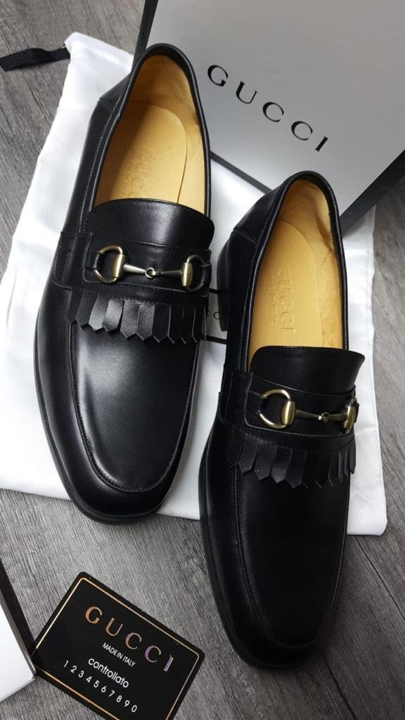 7fa280cbc8df5 Zapatos De Vestir Gucci Color Negro