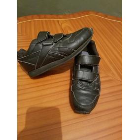 f9a180961ad56 Zapatos Reebok Talla 23 - Ropa