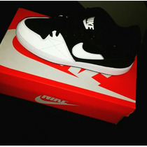 Goma Nike Priority Low