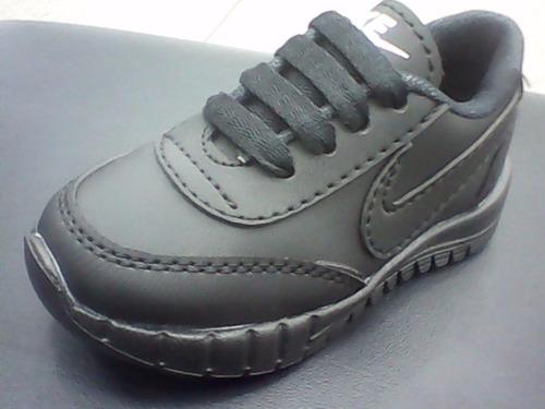 zapatos deportivos blanco negro nike niño