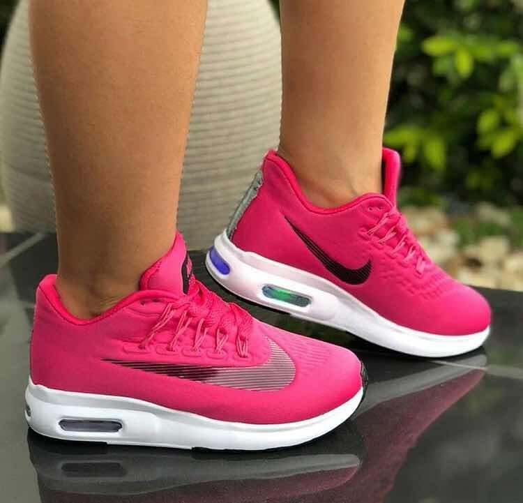 Nike Chaussures De Sport Pour Fille Avec Lumières Bs. 21,500.00 In