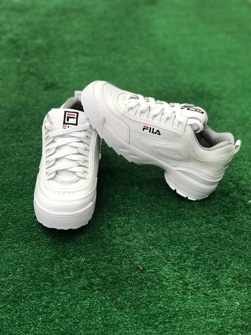 0366d8b2 Zapatos Deportivos Blanco Unisex Fila Disruptor - Bs. 145.000,00 en ...