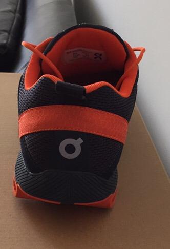 7e77634208e8 Zapatos Deportivos Marca Ón Ingeniería Suiza - Bs. 4.500