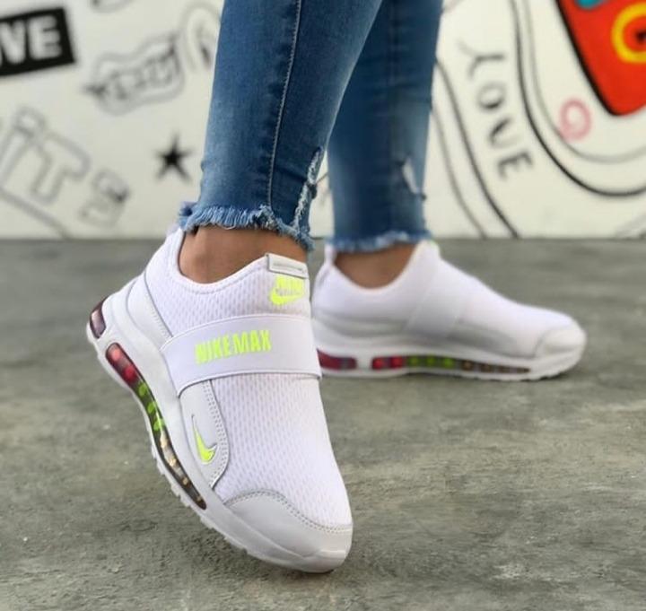 venta al por mayor Zapatos Deportivos Nike Dama Sin Trenza