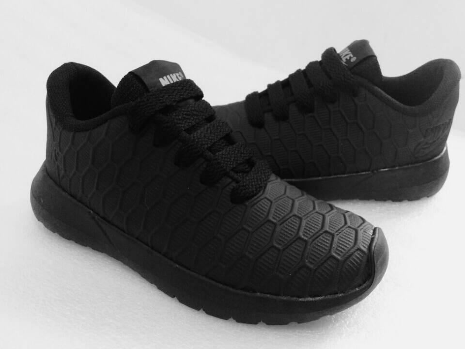 d550e19f10312 zapatos deportivos roshe run de niños. Cargando zoom.