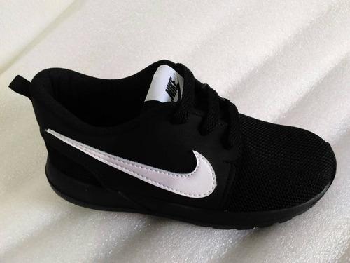 zapatos deportivos  roshe run de niños