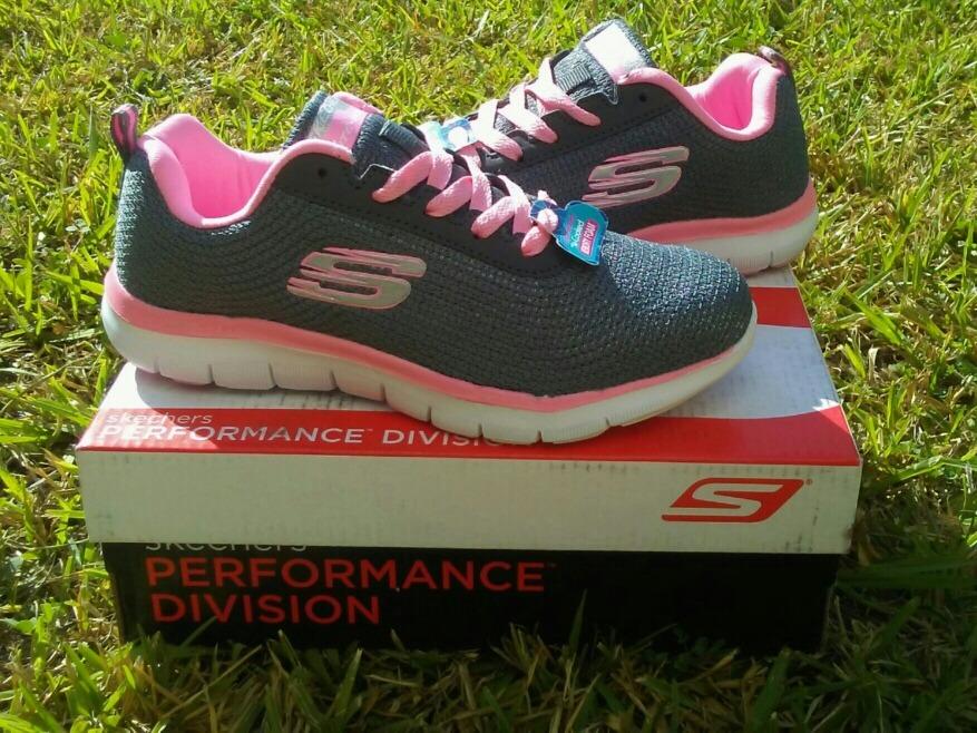 venta de zapatos deportivos skechers para damas baratos