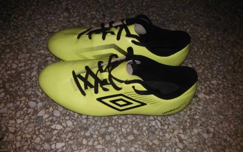 zapatos deportivos tacos marca umbro talla 38.5
