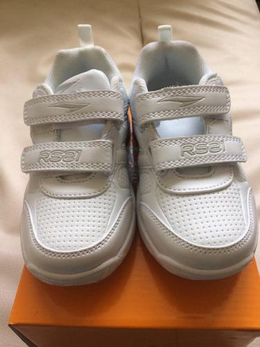 zapatos deportivos unisex rs21 nuevos, tallas 27 al 30!!!