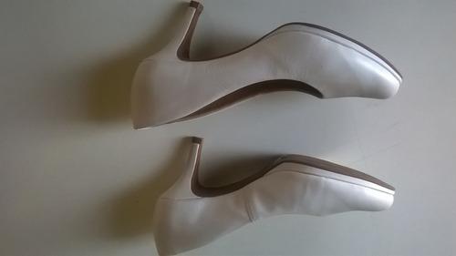 zapatos en cuero stilleto