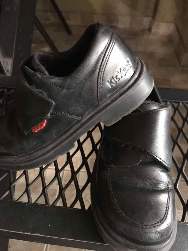 b51cde012 Zapatos Escolar Niño Talle 30 Usado -   450