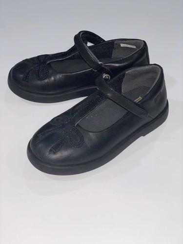 zapatos escolares camper de niña negros 26eur=16mx