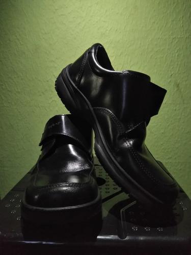 zapatos escolares hush puppies