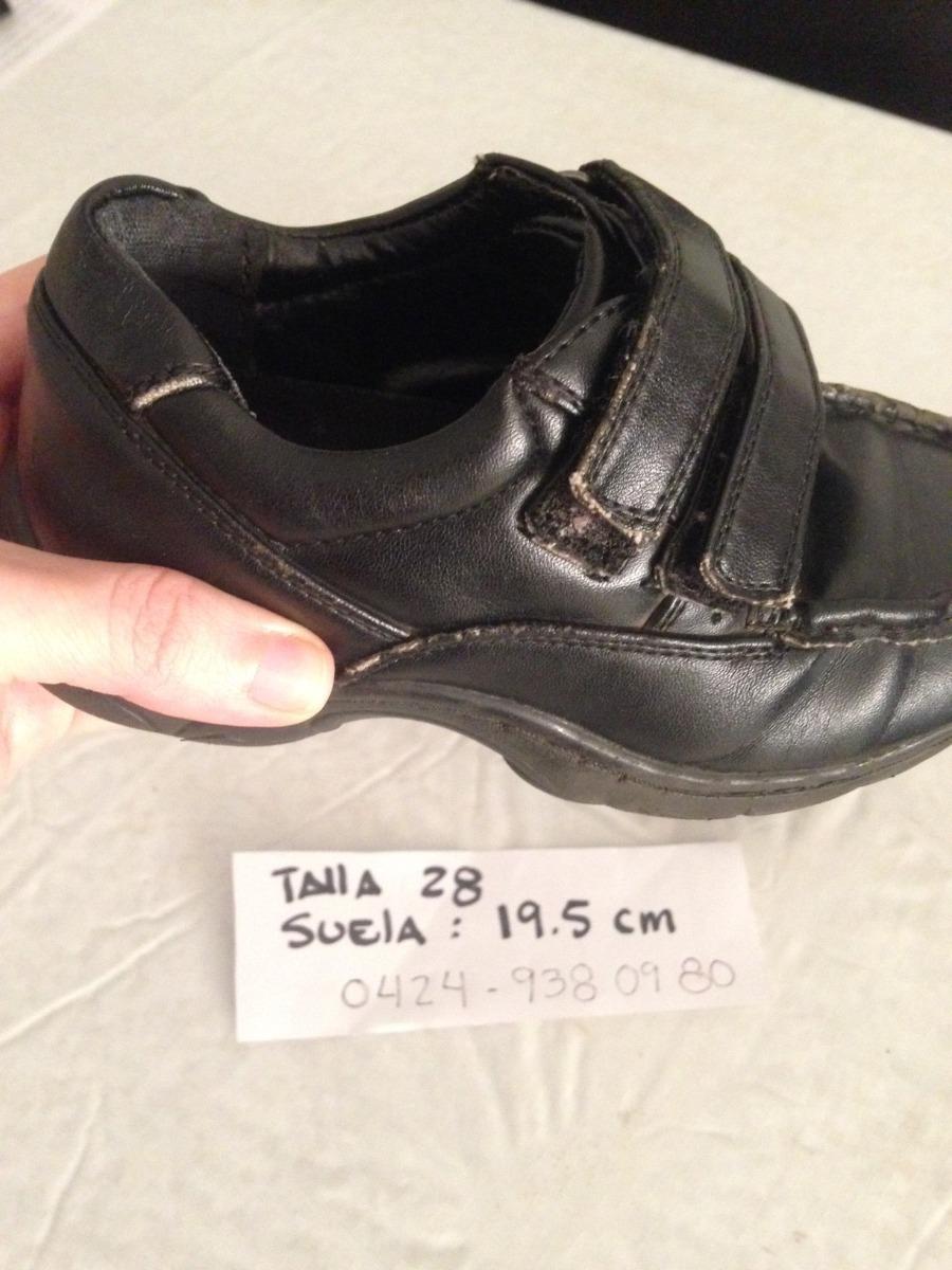 5339cad2 Zapatos Escolares Niño - Talla 28 Usados - Bs. 10.000,00 en Mercado ...