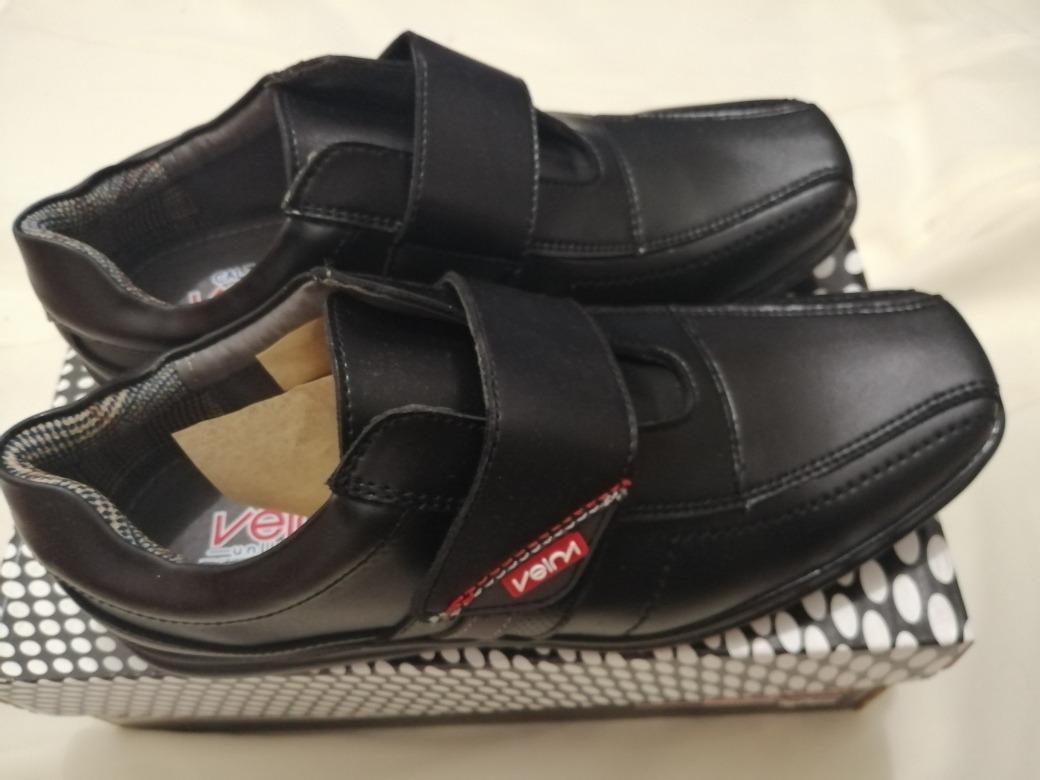 1a3d78bc Zapatos Escolares Para Niños En Color Negro Económicos - $ 290.00 en ...