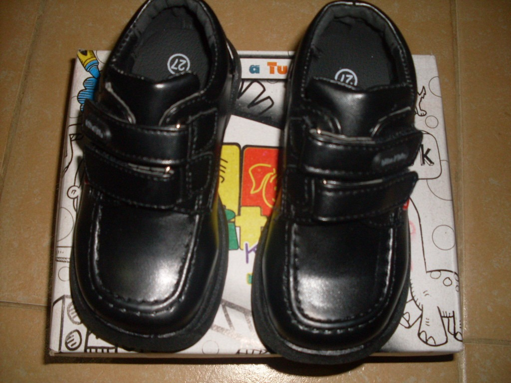Vita Chaussures Scolaires Pour Enfants Seulement Grandeur 35 8.458.90 �?Au Marché
