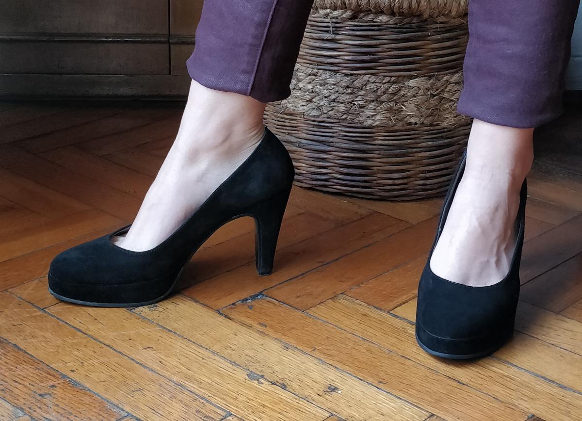 58ac4dc7d89 zapatos -fiesta-mujer-plataforma-negros-gamuzados-talle-39-D NQ NP 805904-MLA27772326762 072018-F.jpg