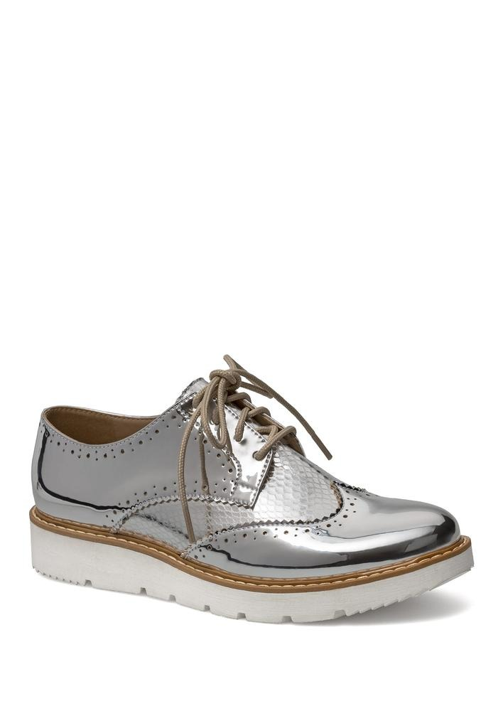 0ff7d26d486e0 Zapatos Flats Oxford Mujer Plateados Andrea 2472744 -   629.90 en ...