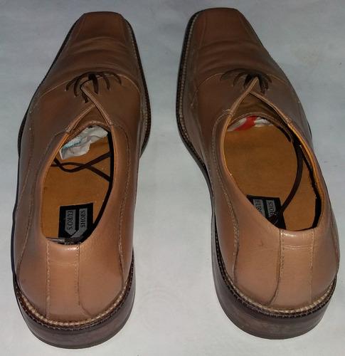 zapatos formales color beige talla 40 usados
