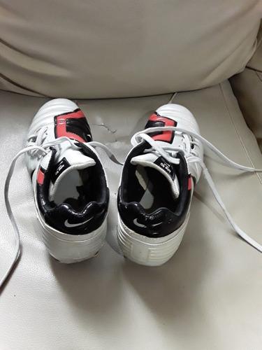 zapatos. futbol de tacos. marca nike. deporte. talla  42