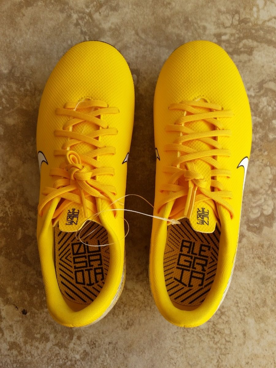 zapatos fútbol tacos niños nike neymar talla 35 (3 y) 22cm · fútbol tacos  nike. fútbol tacos nike · tacos nike fútbol. tacos nike fútbol. 9 Fotos 23ba0f07885f1