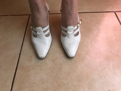 zapatos gacel de verano color blanco hueso talla 37,5