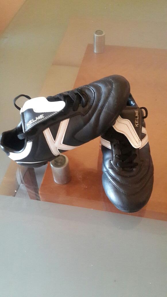 1c68f01eb8674 zapatos kelme taco futbol usado perfecto estado. Cargando zoom.