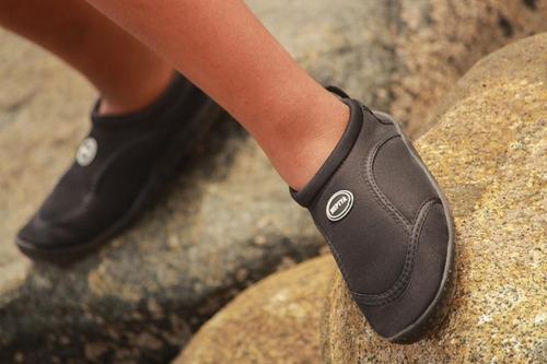 zapatos mar, rio,