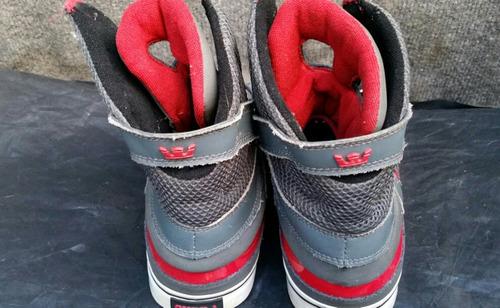 zapatos marca supra