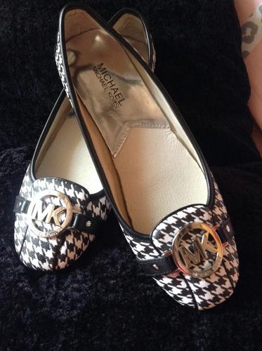 zapatos michael kors logo  blanco negro  7 (37)