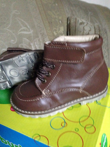 zapatos mini burbujas talla15cm de piel