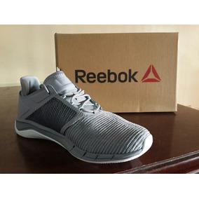 2a822e9ed2bf4 Zapato Reebok Para Mujeres.. Talla 38.5 Totalmente Original