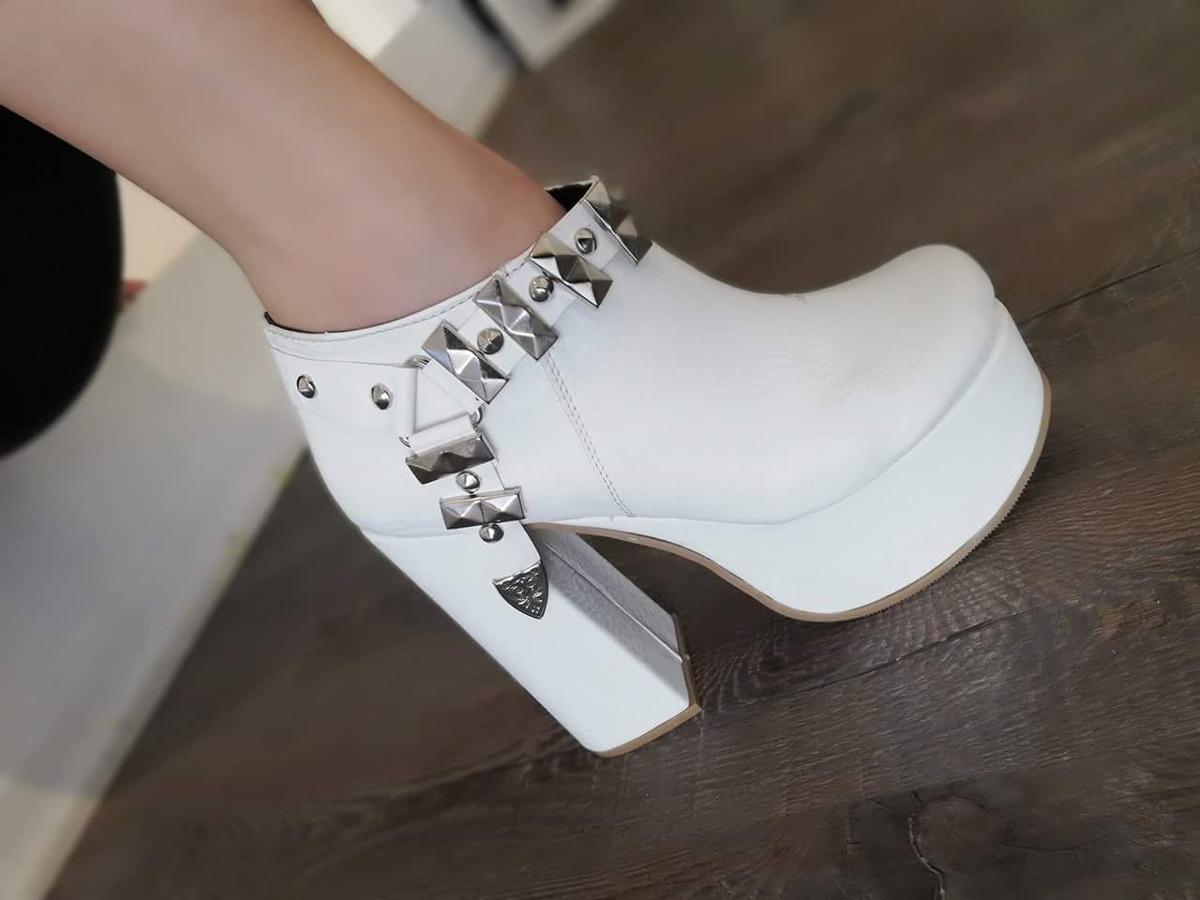 9853fd1f5 Zapatos Mujer Botas Botinetas Blancas Con Estribo -   899