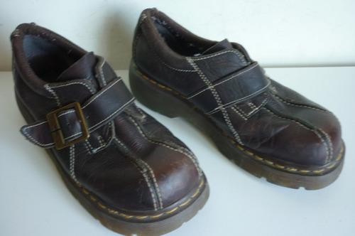 zapatos mujer martens