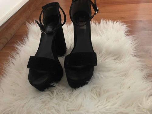 zapatos negro gamuza con plataforma