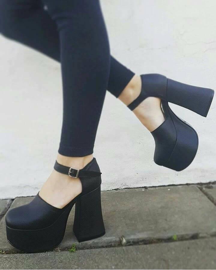 5c61d74f1a zapatos negros mujer taco acampanado. cuero nuevos. Cargando zoom.