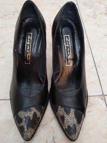 zapatos  negros punta print