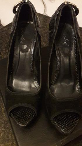 zapatos negros talla 39 marca nicolee