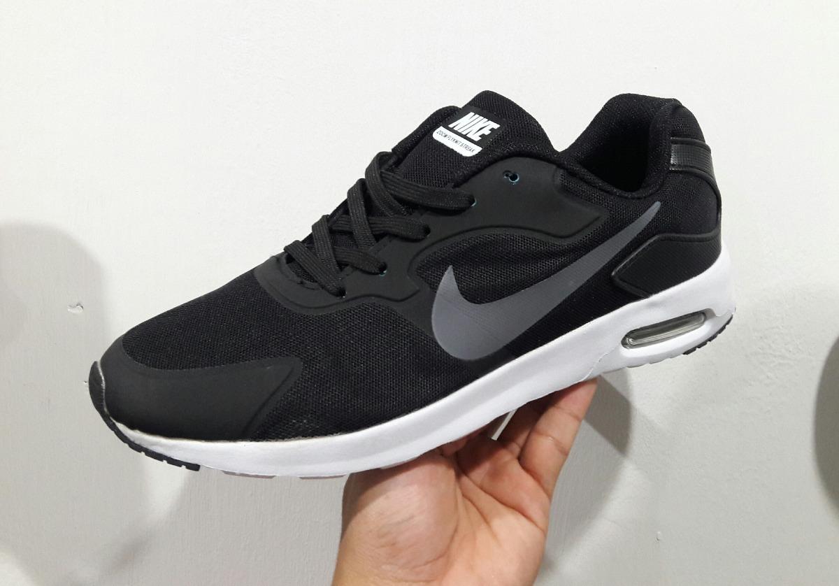 895b2ef532b30 zapatos nike air max tavas. Cargando zoom.