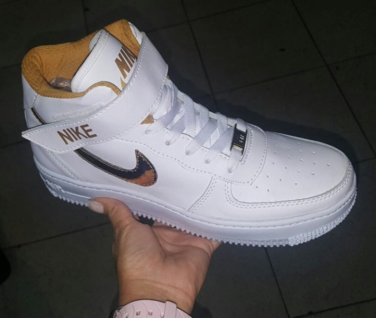 new products 82002 dcde7 zapatos nike force one de caballeros. Cargando zoom.