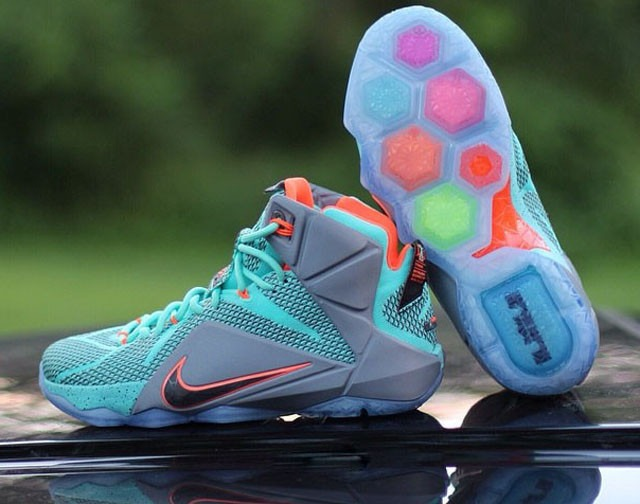 outlet store 3bfb5 8db4c Zapatos Nike Lebron James 12 Xii Talla 39 Al 46