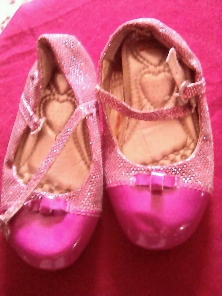 fc31a5f7 Zapatos Niña Talla 26 - Bs. 10.960,00 en Mercado Libre