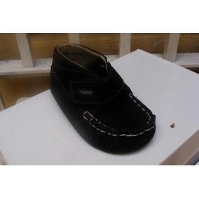 98be676bcd8c2 Zapatos De Bebe Mocasines Talla 22 - Ropa