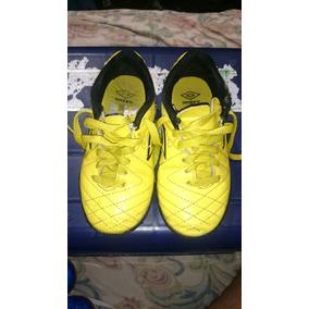 97d719a2c99a0 Zapatos De Fútbol Sala Marca Umbro Originales Usados