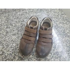 fbe810c6 Zapato Clarks Para Niños Talla 20 - Ropa, Zapatos y Accesorios en ...
