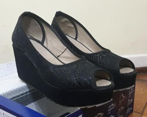 zapatos  ojo de pez  negros animal print #38