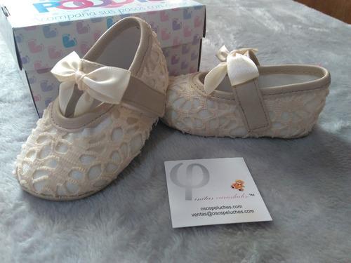 zapatos para bebe beige claro para bautizo